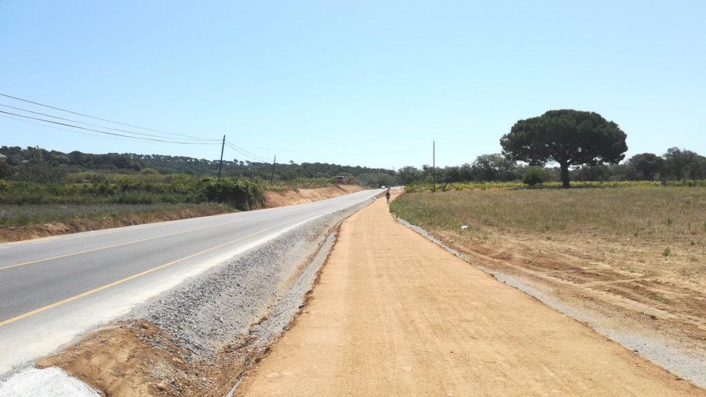 Descontent amb les obres de la carretera de Tamariu