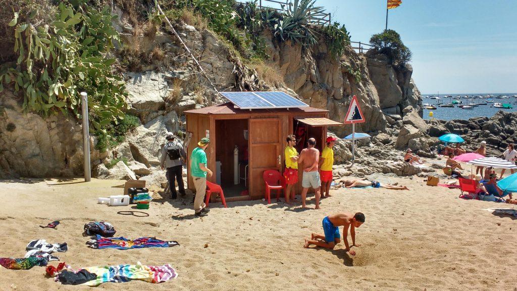 plaques solars a la caseta de socorrisme de Port Pelegrí