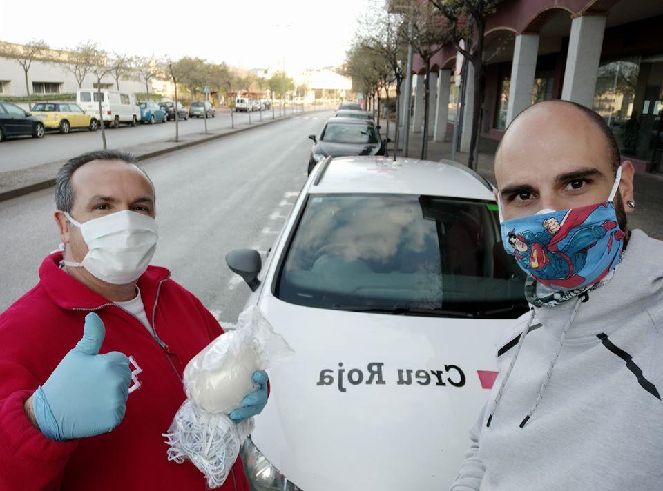 500 mascaretes diàries gràcies al voluntariat