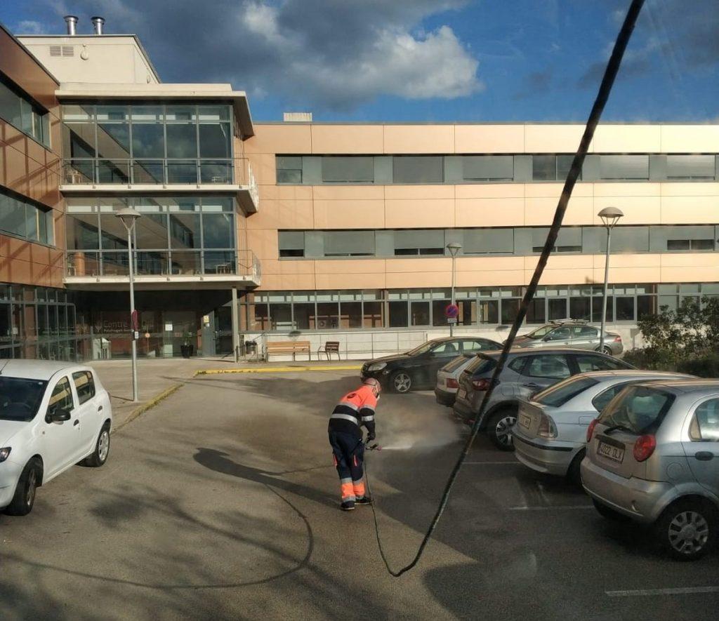 Desinfecció de carrers i contenidors a Palafrugell