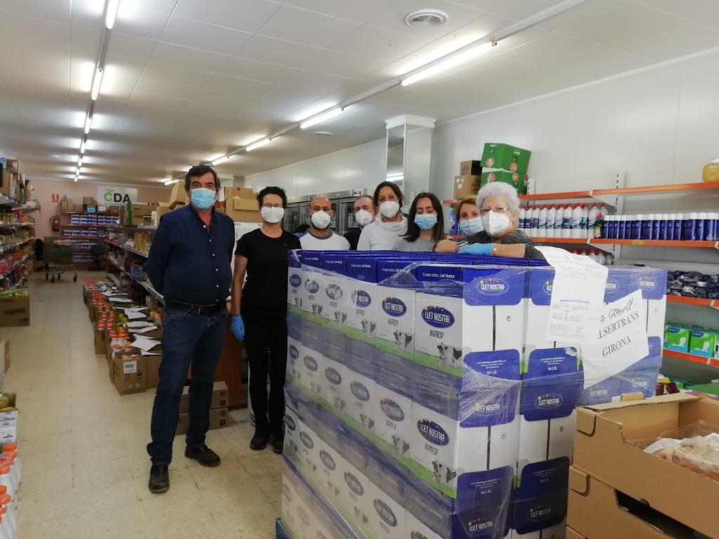 Llet Nostra dona 600 litres de llet a Càritas Palafrugell