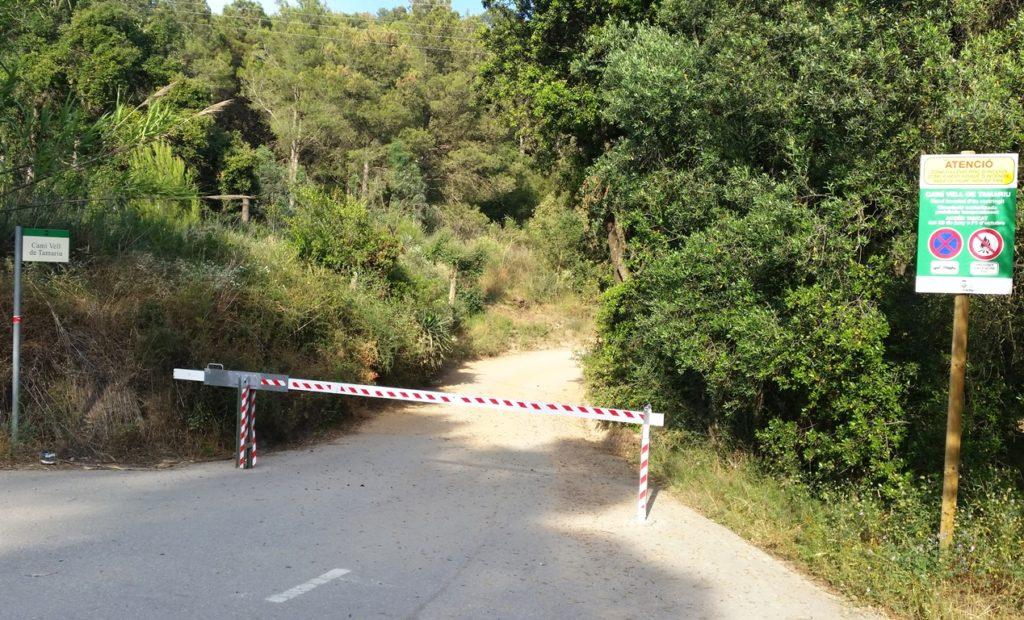 Detingut per serrar la barrera del camí vell de Tamariu