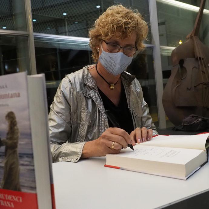 Núria Esponellà premi Prudenci Bertrana de Literatura