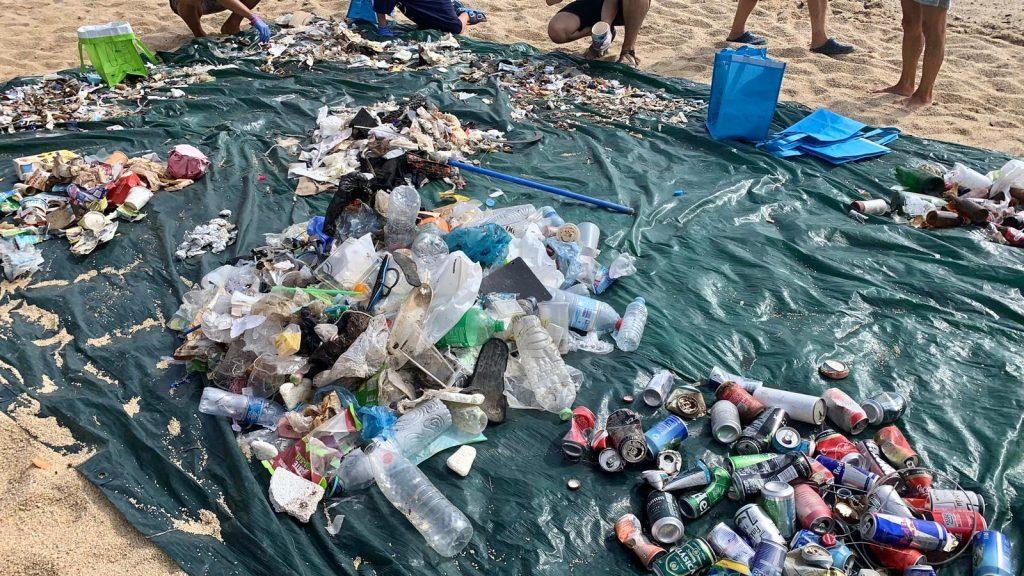242 voluntaris recullen 127kg de residus al litoral de Palafrugell